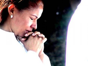 mujer-orando3