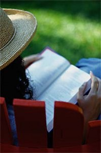 woman-reading-bible2
