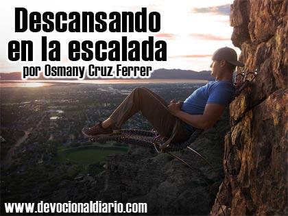 Descansando en la escalada – Osmany Cruz Ferrer